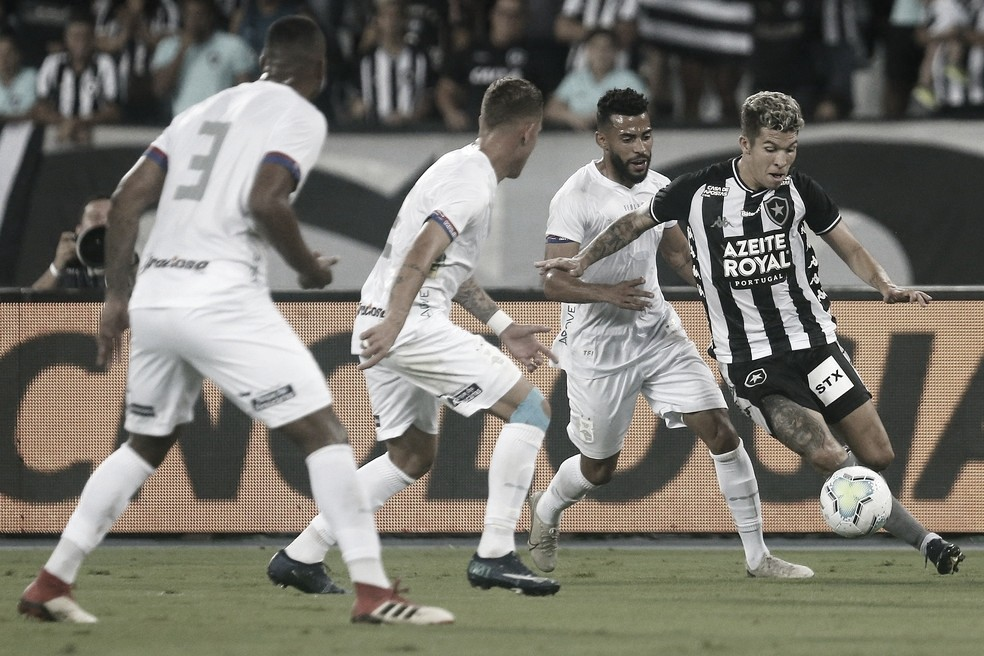 Com desvantagem após derrota na ida, Paraná encara Botafogo pela Copa do Brasil