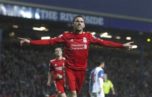 Maxi Rodríguez abandona el Liverpool con rumbo a Argentina