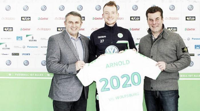 Wolfsburg announce Arnold extension