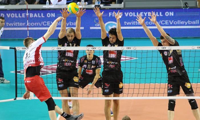 Volley M - La Lube non perde un colpo. La Diatec Trentino fa suo il derby dell'Adige