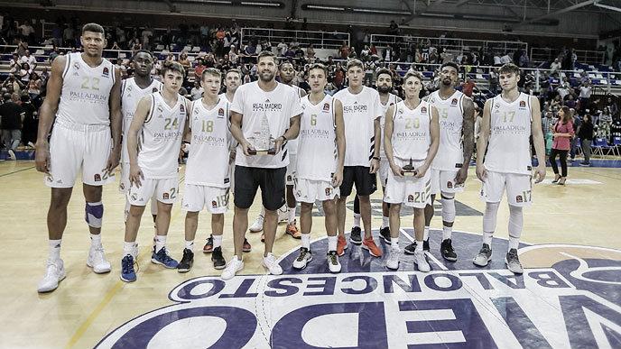 El Madrid remonta para llevarse el Torneo de Oviedo ante Baskonia (72-66)