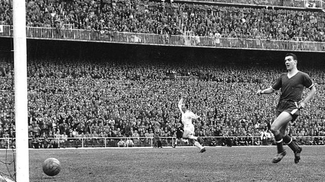 Serial Real Madrid - Manchester United, 1956/57, el Madrid se clasifica para la final