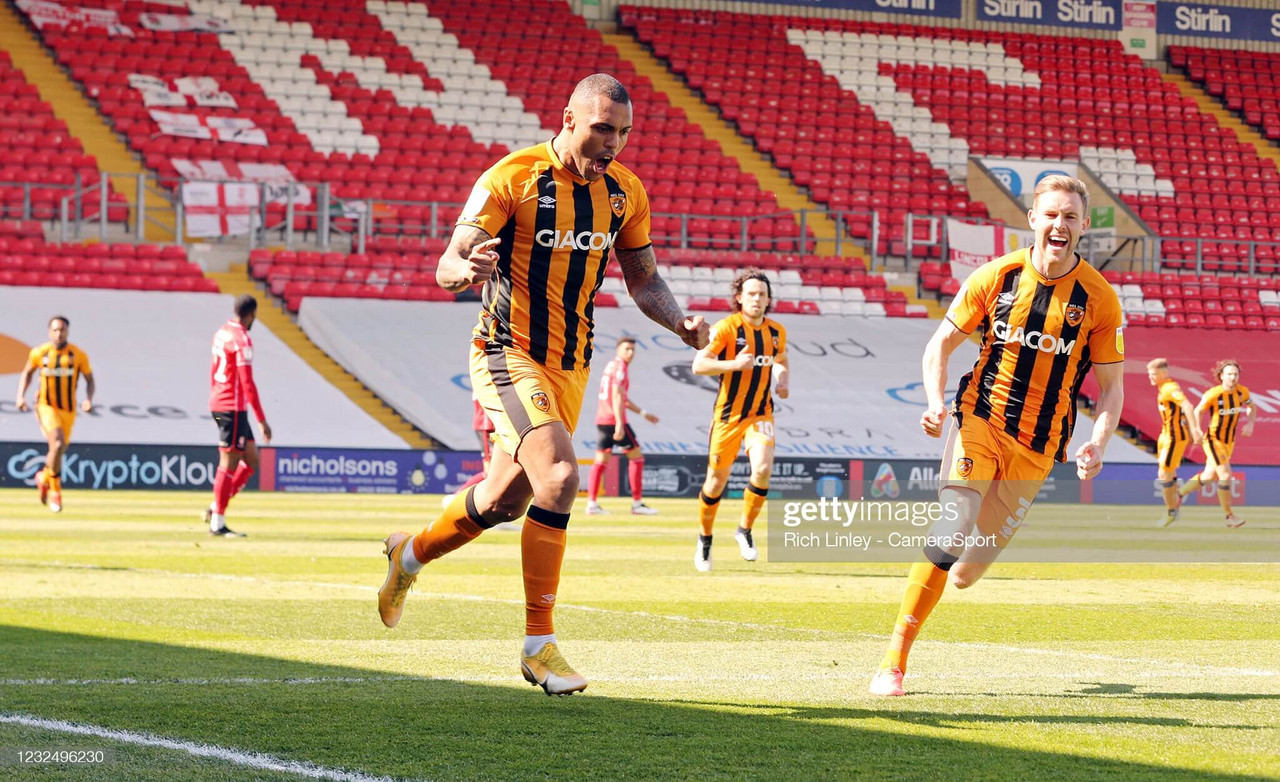 Lincoln City 1-2 Hull City: Tigers promoted following hard fought win at Lincoln