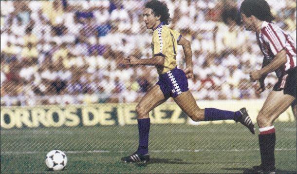Sonetos del fútbol: Mágico González