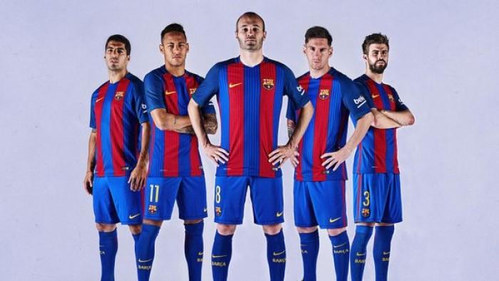Barcellona, presentata la maglia per la prossima stagione