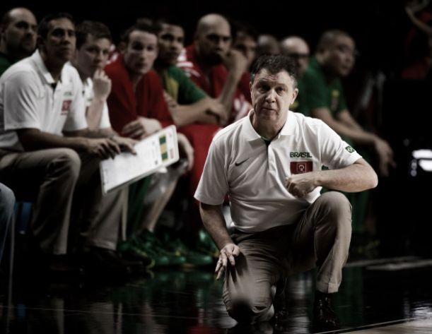 Olhando para o futuro, Magnano convoca a Seleção Brasileira de Basquete