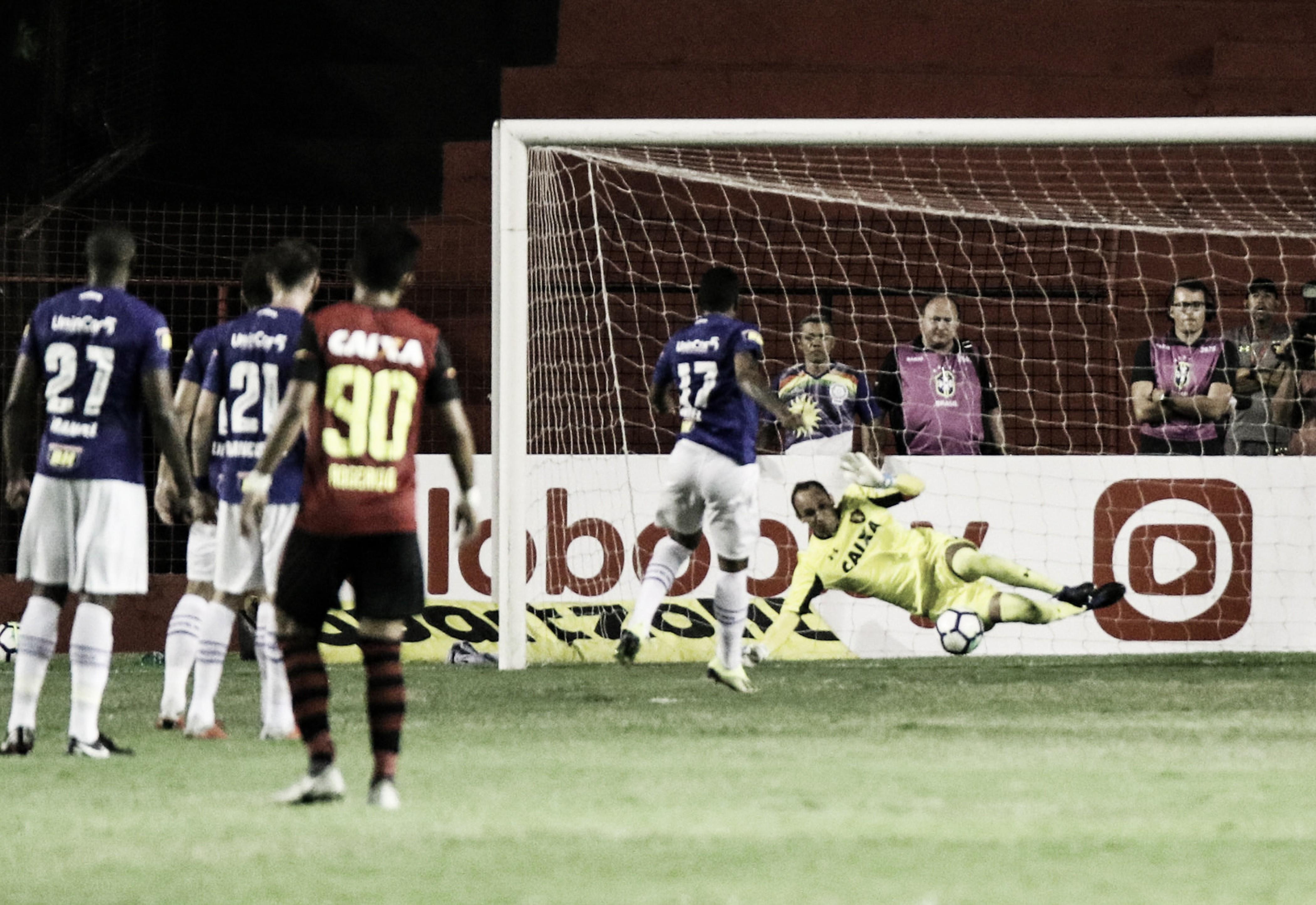 Decisivo contra o Cruzeiro, Magrão recebe elogios de Eduardo Baptista: ''É meu ídolo''