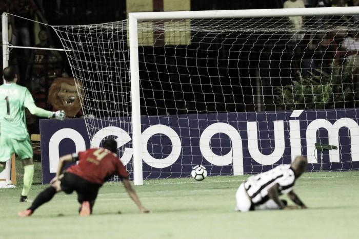 """Magrão traz responsabilidade para si em derrota do Sport: """"Pode colocar na minha conta"""""""