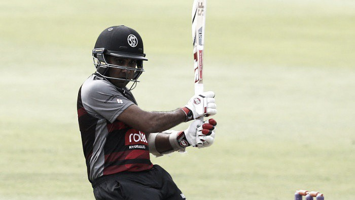 Magnificant Mahela fires Somerset to semi-final