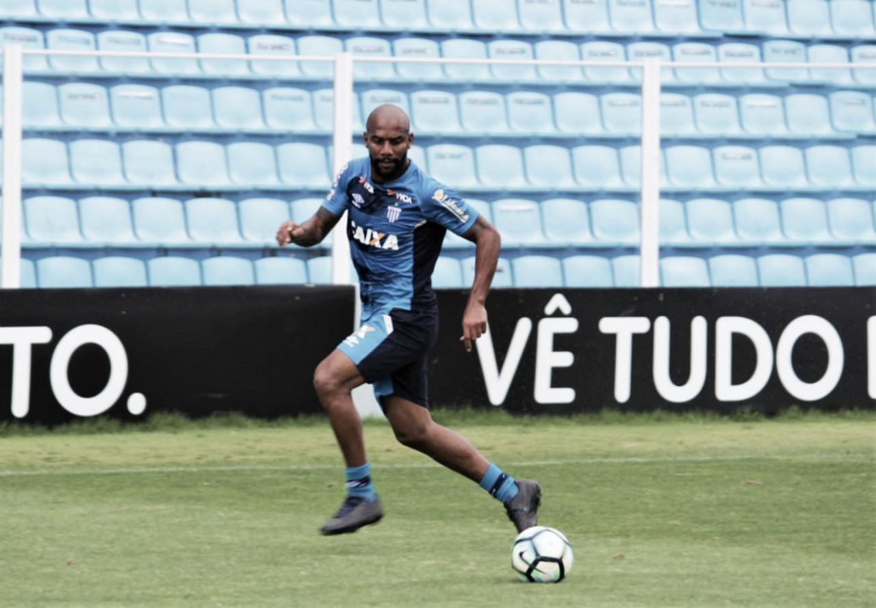 Criciúma repatria lateral Maicon, ex-Seleção Brasileira