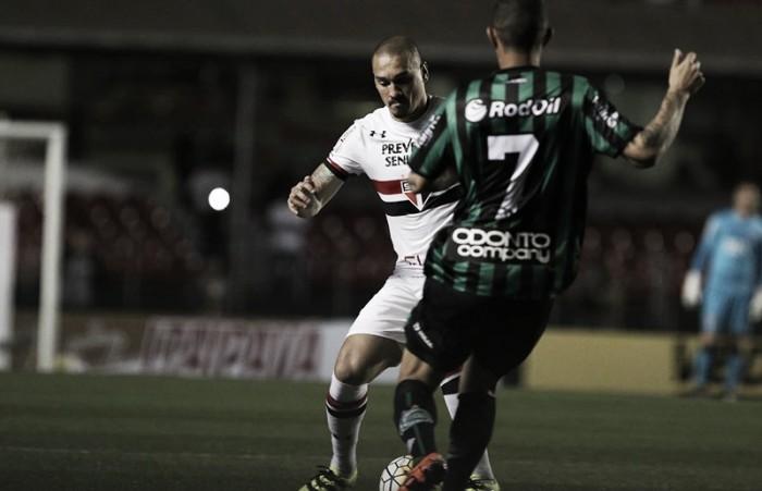 """Após derrota na estreia da Copa do Brasil, Maicon cobra diretoria do São Paulo: """"Precisa intervir"""""""