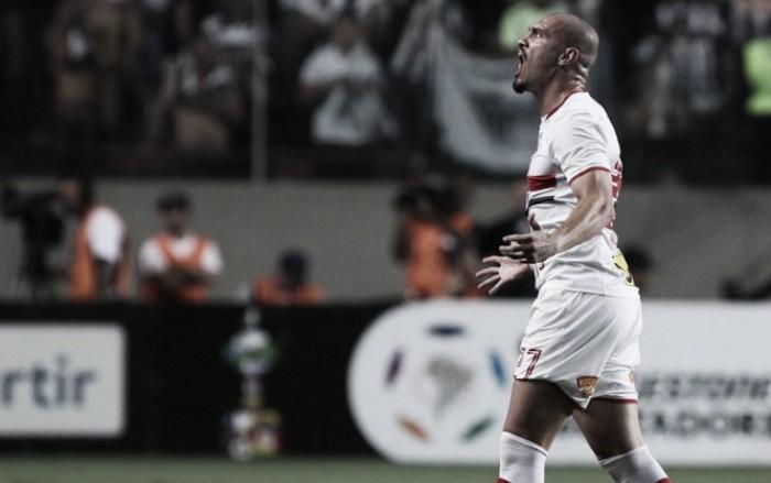 Após longa negociação, São Paulo confirma permanência do zagueiro Maicon