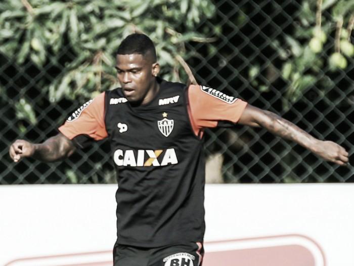 Bruxa está solta: Maicosuel sofre lesão e vira décimo desfalque para jogo contra Corinthians