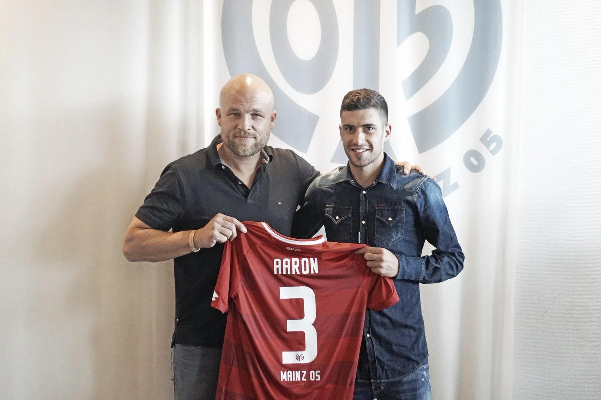 El Mainz 05 tiene en Aarón Martín a su nuevo lateral