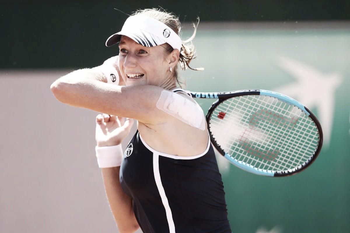 French Open: Ekaterina Makarova snaps losing streak, defeats Zheng Saisai in straight sets