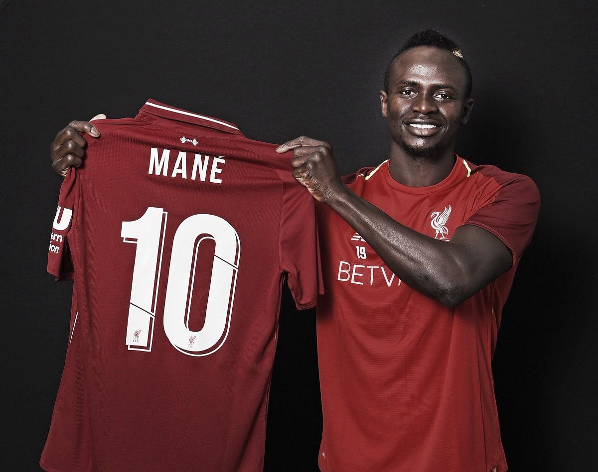 Sadio Mané herda camisa de Coutinho e vestirá a 10 do Liverpool na próxima temporada