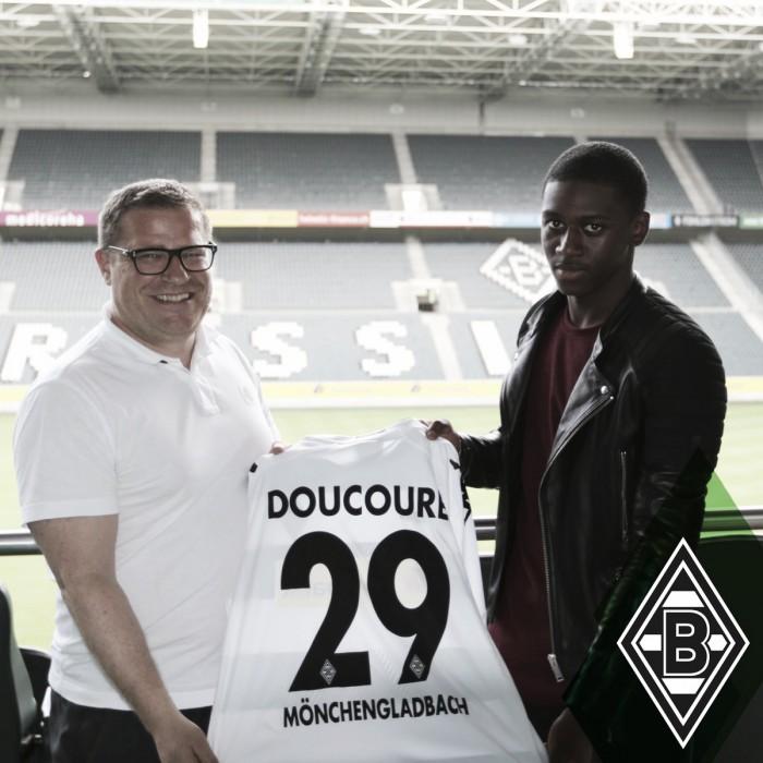 Promessa do PSG, zagueiroMamadou Doucouré acerta com M'gladbach por cinco anos