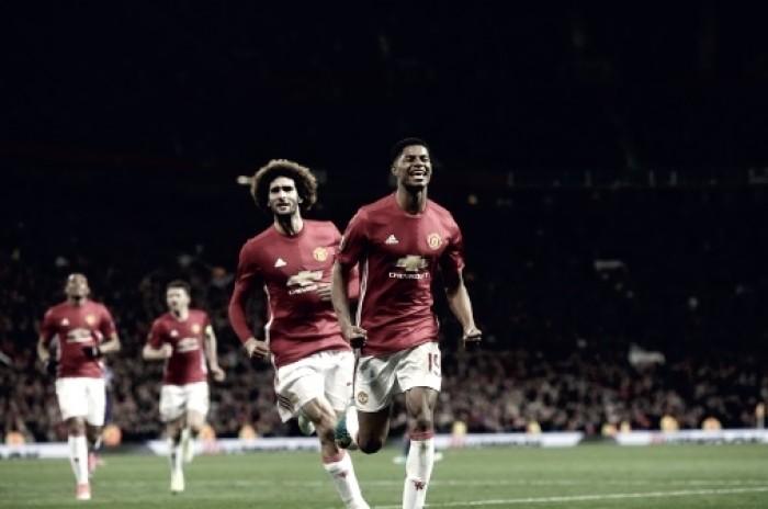 El Manchester United sufre de más para meterse en semifinales
