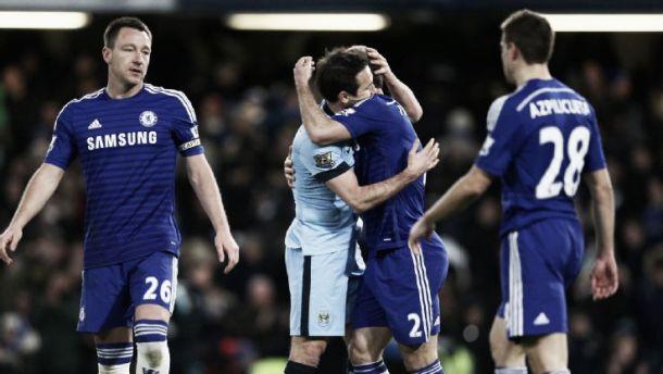 Chelsea x Man City: Mou sorri entre líderes desfalcados