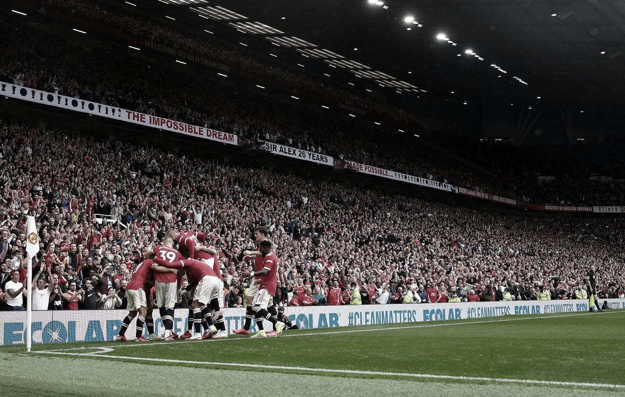 Manchester United dá espetáculo e goleia rival Leeds na estreia da Premier League