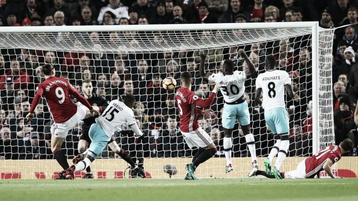 El Manchester United vuelve a pinchar en casa