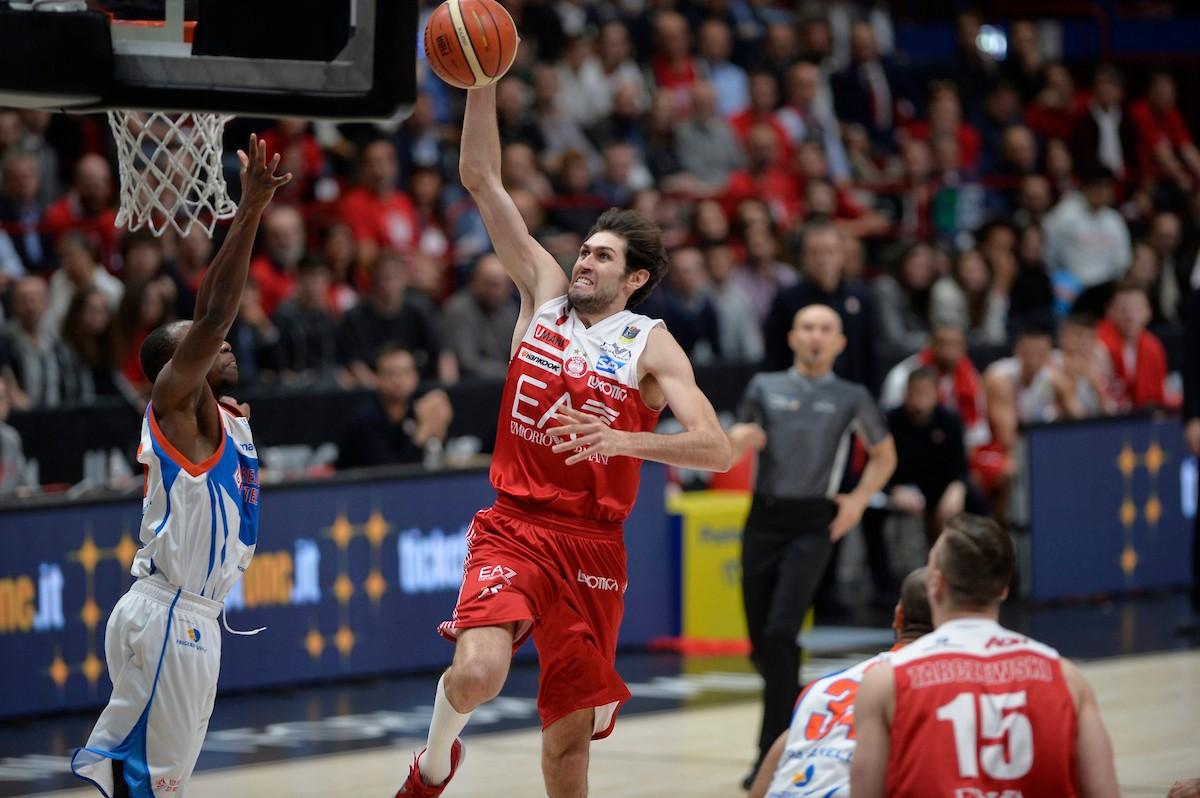 Legabasket Serie A - Milano fa sua anche gara 2 battendo 87-75 Cantù