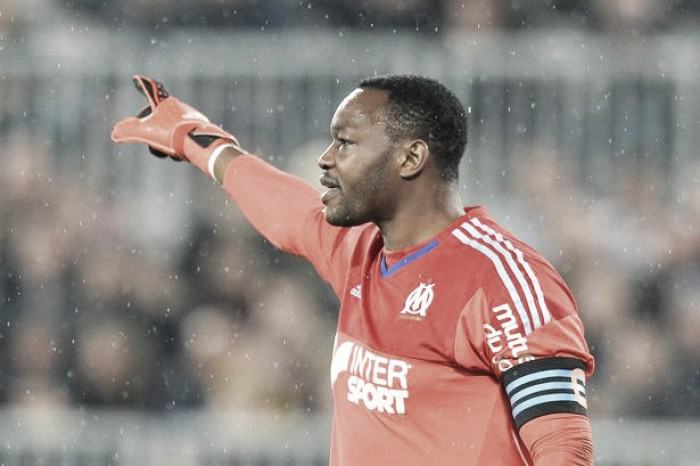 Steve Mandanda joins Crystal Palace from Marseille on three-year-deal