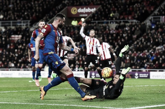 """Vito Mannone wants Sunderland to """"wise up"""" at the back"""