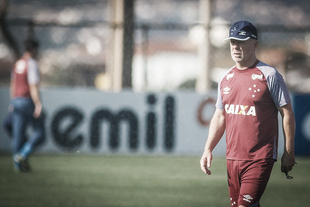 Mano acredita que com 'muito futebol' o Cruzeiro consegue superar o Boca