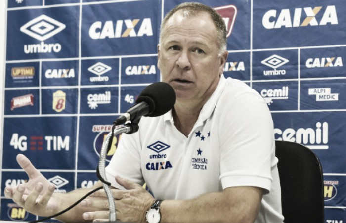 """Mano lamenta falta de armação diante do Coritiba e classifica empate como """"frustrante"""""""