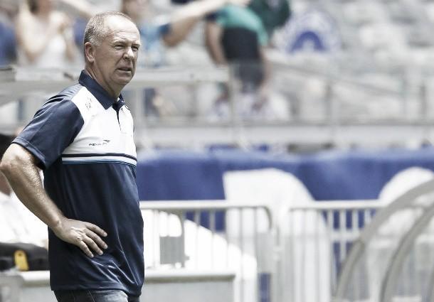 """Mano Menezes não confirma acerto com Shandong Luneng, mas afirma: """"Está bem encaminhado"""""""