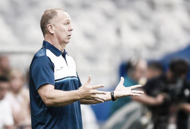 Allano se lesiona e Mano Menezes testa mudanças no Cruzeiro