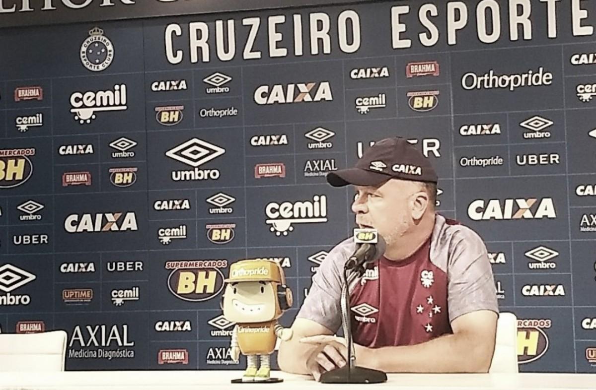 """Mano Menezes destaca equilíbrio em final contra Atlético e quer """"história diferente"""" em 2018"""