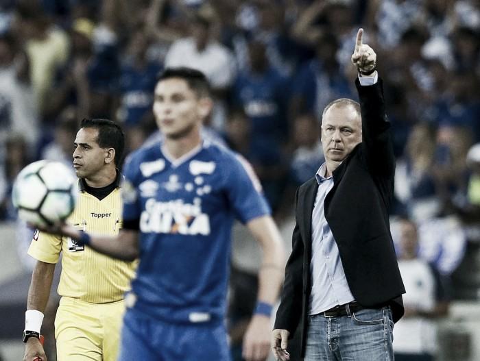"""Mano Menezes vê empate como bom resultado, mas avisa: """"Não vamos nos iludir"""""""