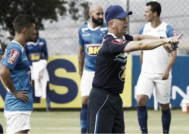 Fim do mistério: Mano confirma Damião e Marcos Vinicius no ataque do Cruzeiro diante do Sport