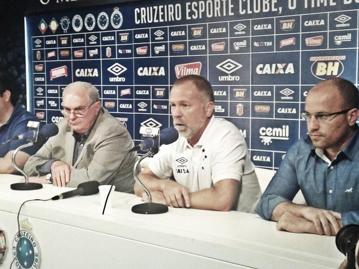 Mano descarta solicitar contratações imediatas ao Cruzeiro e frisa 'pequenos ajustes'