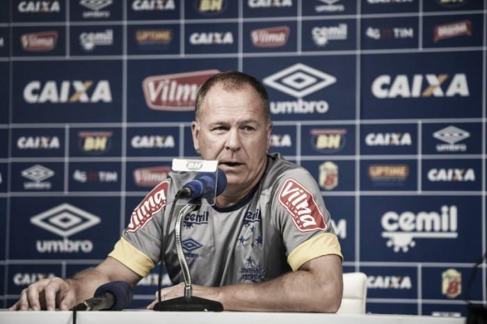 Mano garante Lucas Romero entre os titulares e descarta chegada de goleiro no Cruzeiro
