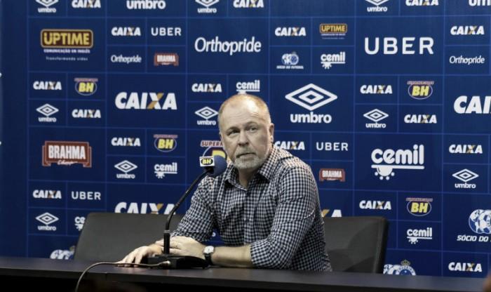 """Mano elogia atuação do Cruzeiro e brinca com espera por primeiro gol de Fred: """"Vou dar a ele cinco jogos"""""""