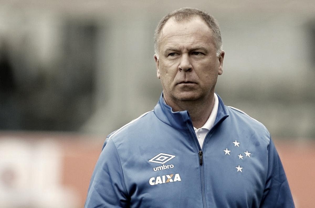 Mano Menezes lamenta derrota e reclama das chances desperdiçadas pelo Cruzeiro na partida