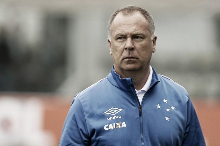 Mano enxerga melhora no Cruzeiro, mas lamenta chances perdidas em derrota