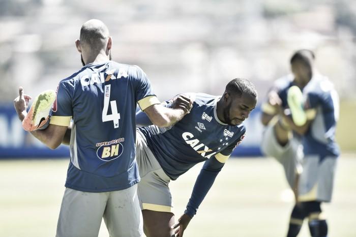 Manoel treina normalmente e Mano Menezes não revela substituto de Sóbis no Cruzeiro