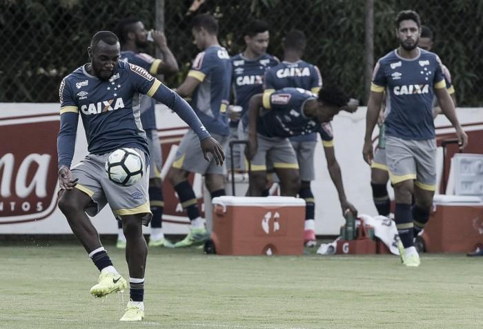 Volta do zagueiro Manoel é uma das novidades do Cruzeiro contra a Ponte Preta