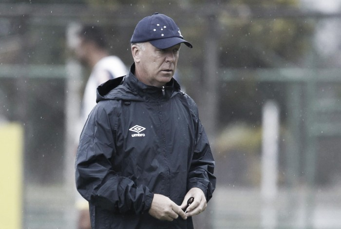 Mano Menezes encerra preparativos para enfrentar o Botafogo e relaciona 23 jogadores