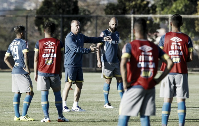 Mano confirma Cruzeiro com Romero, Rafinha e Willian para enfrentar o São Paulo
