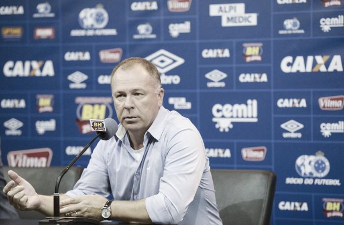 Com novidades, Mano Menezes fecha preparação para confronto contra Grêmio