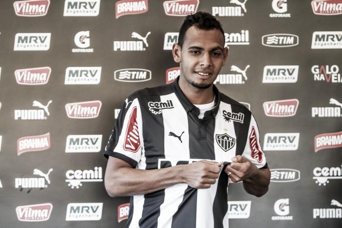 Atlético-MG acerta empréstimo de lateral Mansur ao Paraná Clube