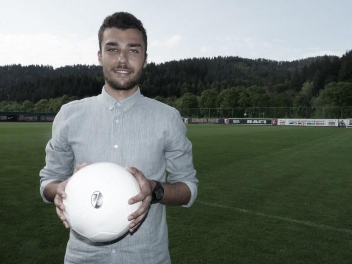Manuel Gulde é o mais novo reforço do Freiburg
