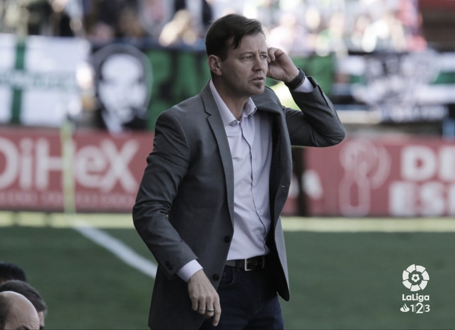 Manuel Mosquera le cambia la cara al Extremadura