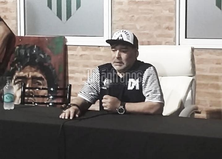 """Maradona: """"Si es con el presidente al lado yo voy a seguir"""""""