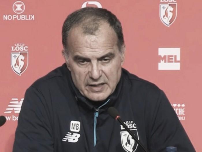 Bielsa se irrita com jornalistas em entrevista coletiva e garante que não pedirá demissão do Lille